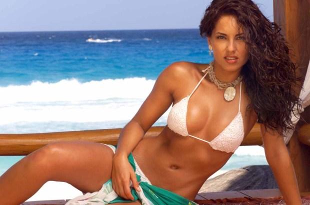Bárbara Mori, ¡sexy y bella a sus 39!