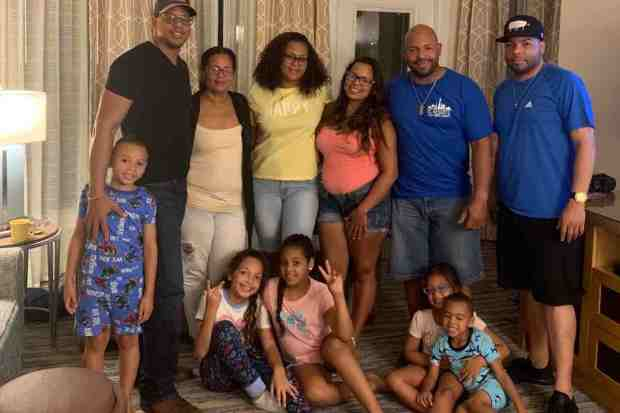 Vacaciones en Orlando terminan en pesadilla para familias boricuas