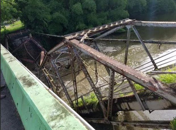 Remueven puente colapsado La Plata en Bayamón