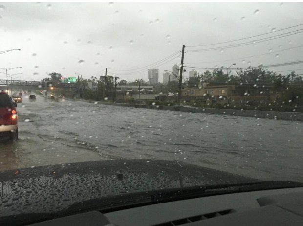 Se reportan serias inundaciones en varios pueblos de la Isla