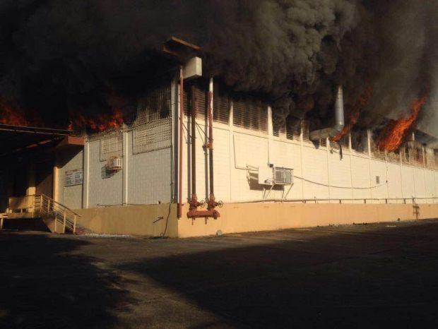 Fotos: Incendio se desata en mueblería de Carolina