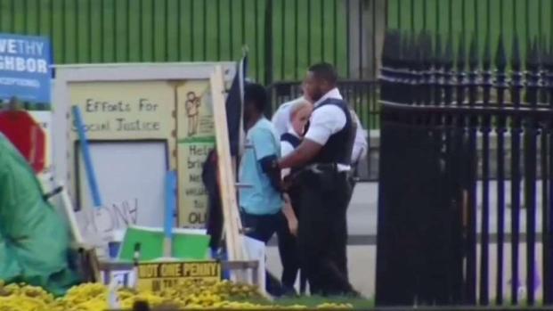 [TLMD - MIA] Arrestado tras amenazar con matar policías blancos
