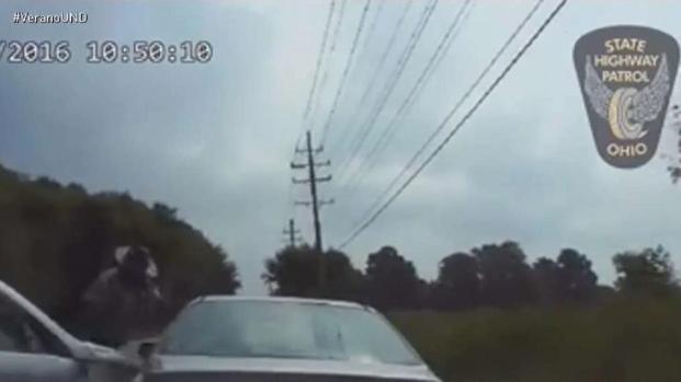 [TLMD - MIA] Conductor atropella a policÍa
