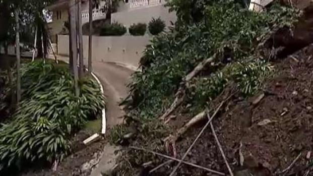 [TLMD - PR] Derrumbe de terreno bloquea entrada a comunidad