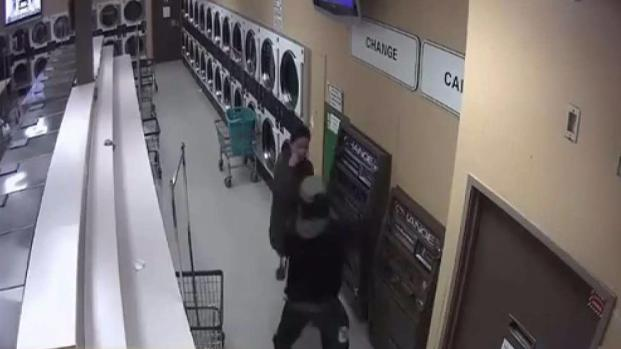 Fue a lavar ropa y casi la matan