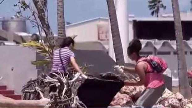 [TLMD - PR] Jóvenes realizan limpieza masiva de costas en Cataño