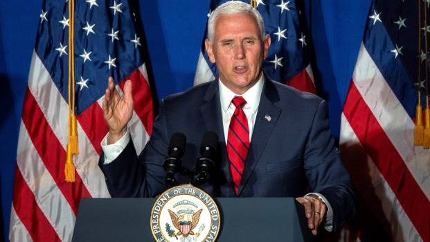 Pence busca el voto latino para Trump en Miami