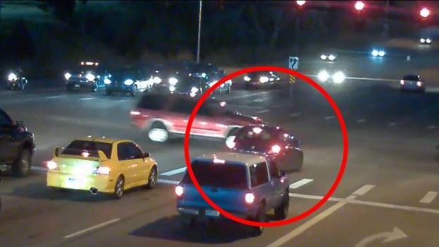 [TLMD - NATL] Maniobra descarada: conductor se pasa la luz roja y todo queda en video