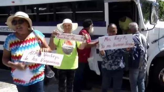 Viequenses llegan a Santurce para pedir renuncia de Mara Pérez