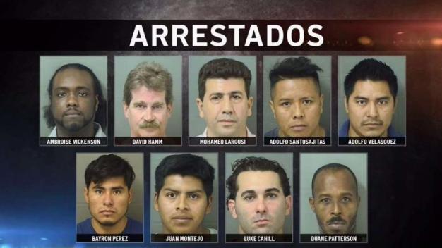 Policías se hacen pasar por prostitutas y arrestan a 9