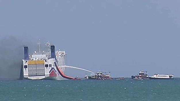 Carga de ferry incendiado no ha sido devuelta