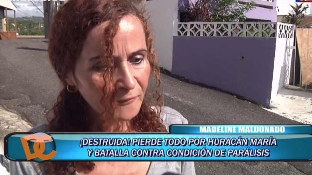 Se queda en la calle tras perder su casa en el huracán