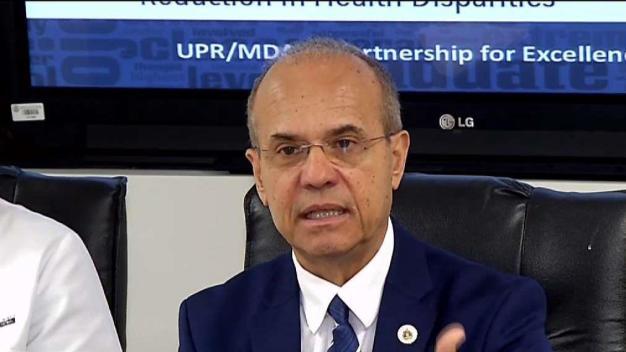 Haddock solicita dejar sin efecto recortes a UPR