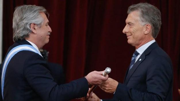 Fernández jura como presidente de Argentina