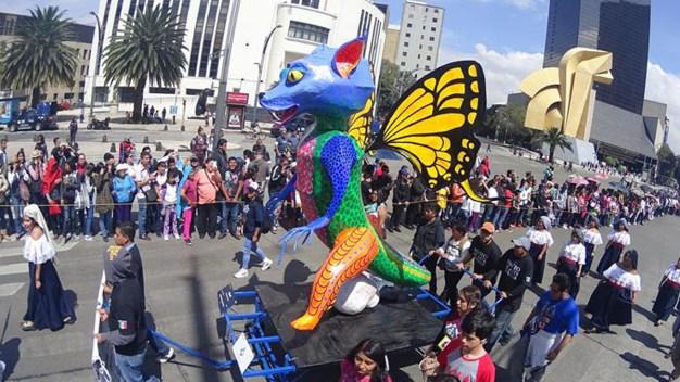 Alebrijes llenan de color la Ciudad de México