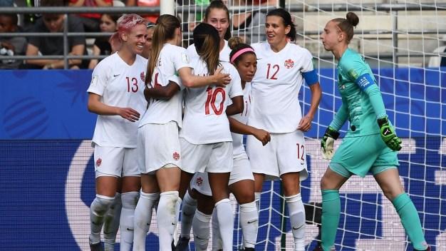 Christine Sinclair responde a Holanda con un golazo