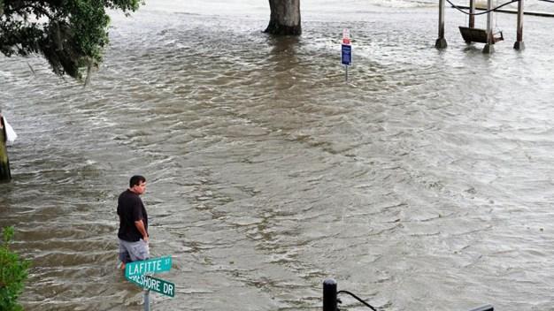 Barry: crece el temor por inundaciones tras las lluvias