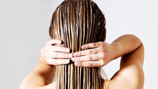 Cómo cuidar y nutrir el cabello durante el invierno