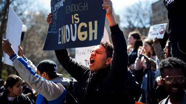 Miles exigen mayor protección contra las armas