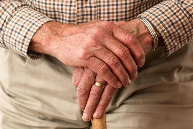 Cómo prevenir el maltrato a envejecientes