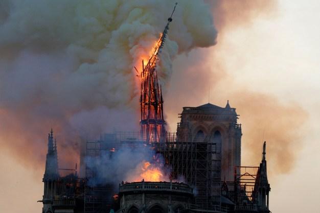 Alegan que Nostradamus predijo fuego en Notre Dame
