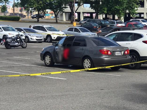 Doble asesinato en estacionamiento de Plaza Carolina