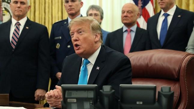 Trump exige que California devuelva miles de millones