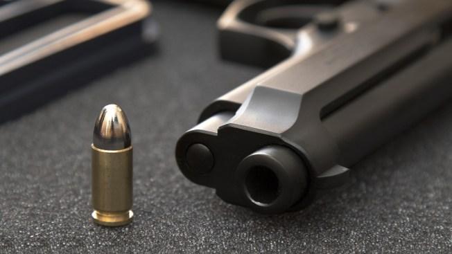 Un misterio caso de mujer herida de bala