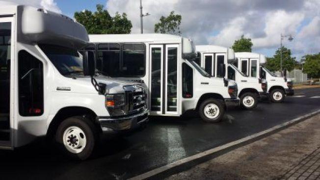 Reparten vehículos para trasnportar personas de edad avanzada