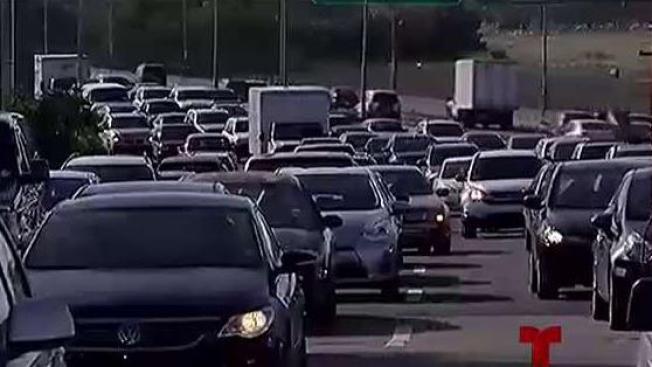 Camión con desperfectos provoca tapón en el Expreso 52