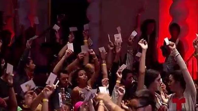 Estudiantes aprueban descontinuar la huelga