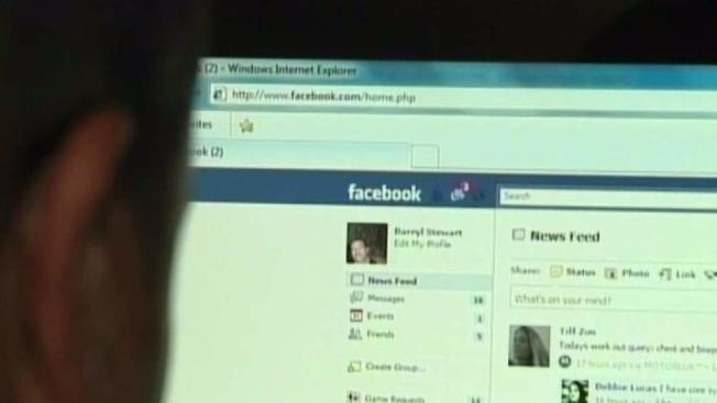 Balean a hombre que fue a encontrarse con mujer que conoció en Facebook