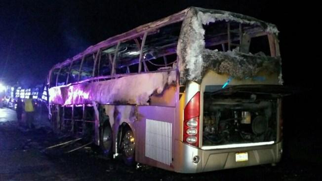 México: 13 muertos tras choque entre camión y autobús