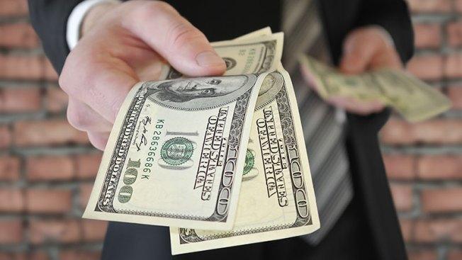 Acusan al PPD de cometer lavado de dinero