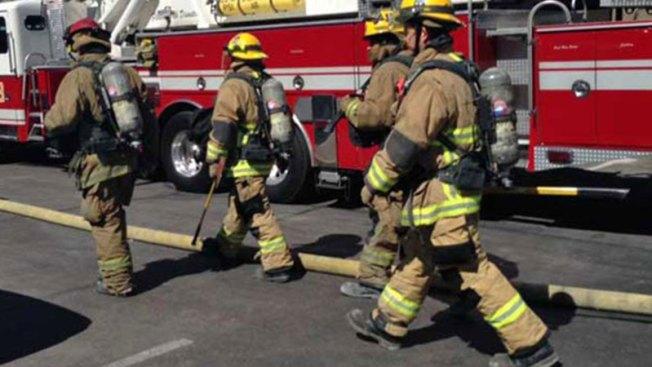 Rescatan persona en incendio en Monte Hatillo