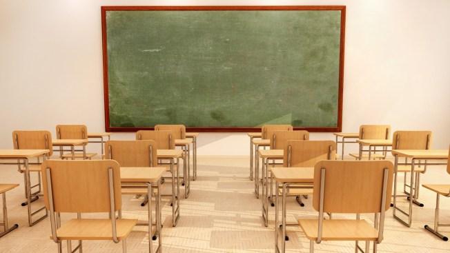 Comunidades escolares dan batalla contra cierre de escuelas