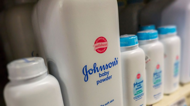 Johnson & Johnson retira talco de bebé por presencia de asbestos en prueba