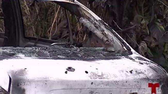 Hallan cuerpo calcinado dentro de vehículo en Arecibo