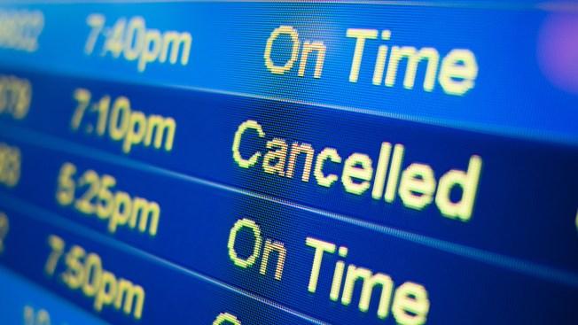 Miles de vuelos cancelados por mortal tormenta invernal