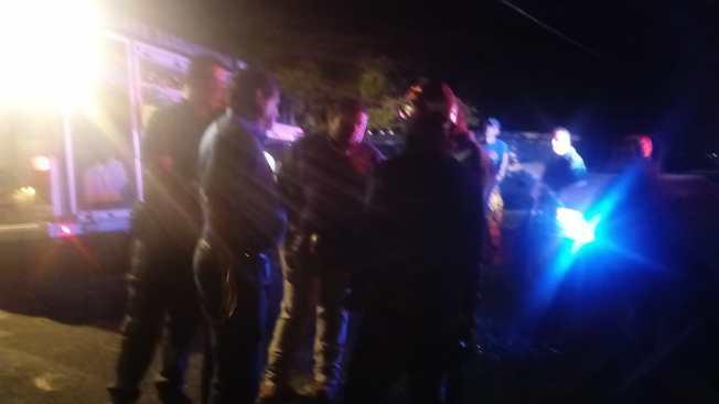 Tres adultos y un menor quedan atrapados en Charco Azul
