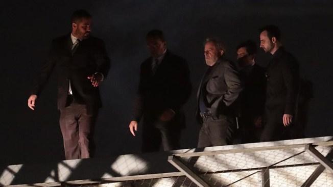 Rigurosamente vigilado, Lula pasa su primera noche preso