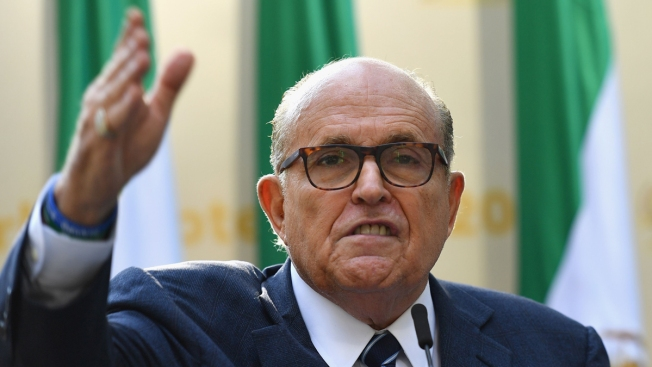 Giuliani no cumplirá con citación en proceso de juicio político