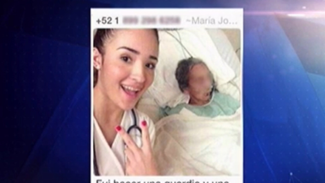Insólito: estudiante se toma selfie con moribunda