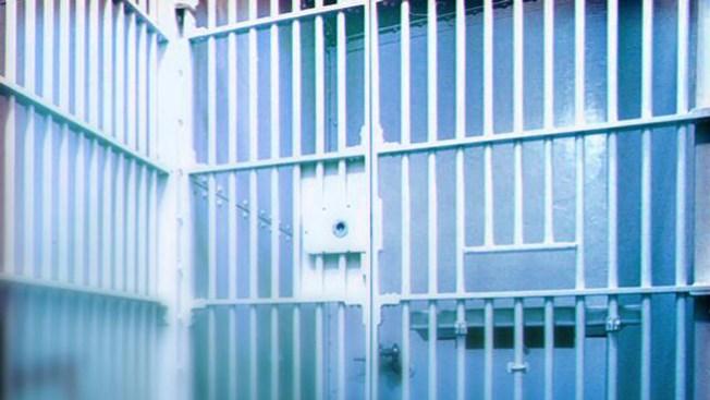 Encuentran confinado muerto en cárcel de Ponce