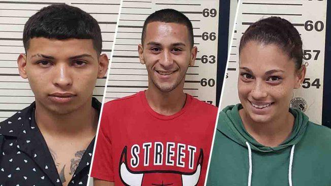Bien sonrientes tras ser arrestados en Añasco