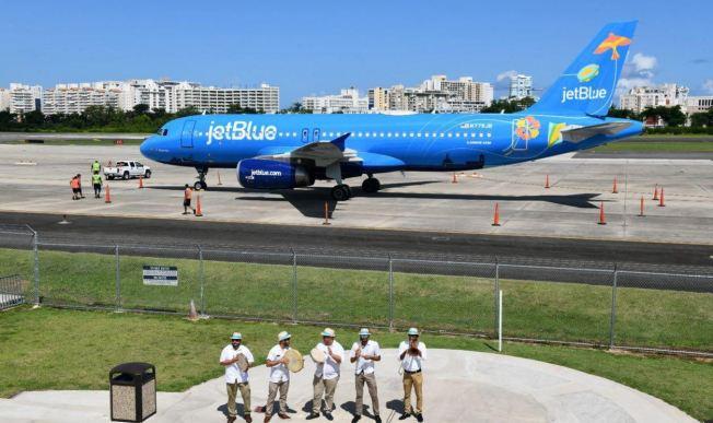 Presentan la aeronave Bluericua