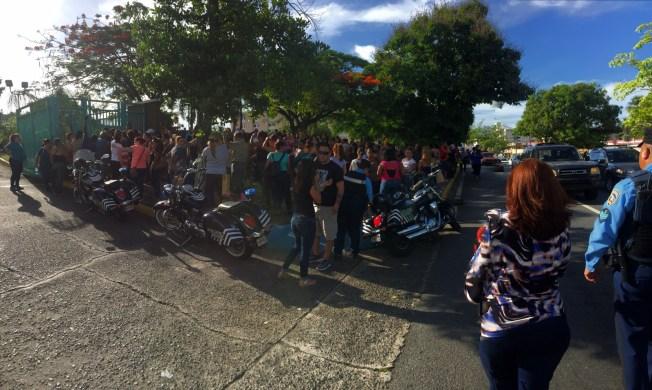 Más de mil personas acampan por turnos de Sección 8