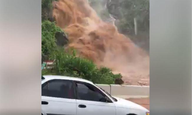 Cascada continúa atemorizando a conductores en Morovis