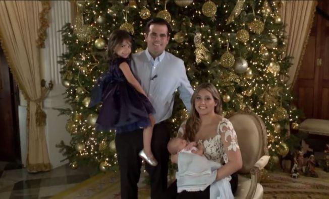 Primera familia envía felicitaciones al país