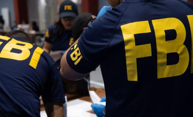 Federales arrestan a hombre por pornografía infantil